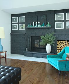 Dans le Lakehouse : DIY Dyed Bottle Brush Trees + Styling a Narrow Mantle Turquoise Room, Black Fireplace, Modern Christmas, Christmas Ideas, Holiday Ideas, Christmas Decorations, Bottle Brush Trees, Contemporary Home Decor, Home Decor Inspiration