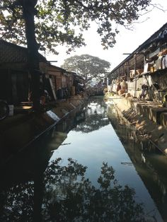 Myanmar markets // Burma // bucket list // travel // via The Hunter & Gatherer