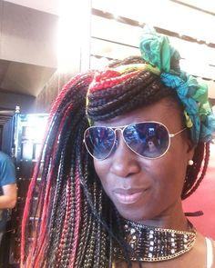 Good Morrrrrrning  Check out ma Borrow Pose #sunglasses Got to wear them during visit to antique store in Las Vegas. Happy Tuesday  find time to smile 2day it melts da stress away  #TolumiDE