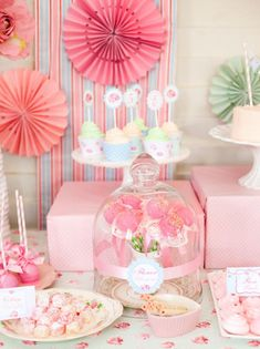 Shabby-Chic-Tea-Party-decor