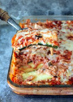 Low Carb Zucchini Lasagna with Spicy Turkey Meat Sauce - you won't miss the noodles! #paleo #lowcarb