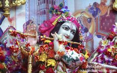 To view Gopinath Close Up Wallpaper of ISKCON Chowpatty in difference sizes visit - http://harekrishnawallpapers.com/sri-gopinath-close-up-wallpaper-017/