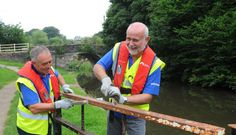 Volunteering with Canal and River Trust