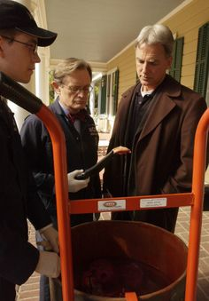 "NCIS - Season 2 Episode 13 - ""The Meat Puzzle"""