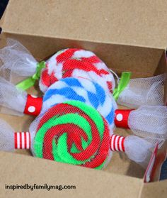 Christmas Ornament Craft {using recycled items}: Easy Peppermint Candy ornaments