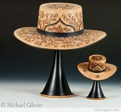 Las Cordobas de Flamenco by Michael and Cynthia Gibson -- Pear, Turned with Pyrographic Embellishments Sculpture Images, Wood Sculpture, Easy Woodworking Projects, Woodworking Projects Plans, Michael Gibson, Wood Burning Crafts, Wood Carving Tools, Wood Turning Projects, Artist Portfolio