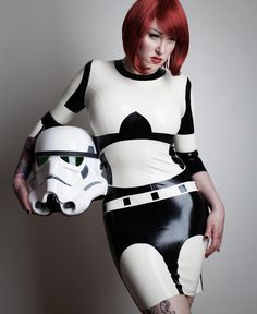 Stormtrooper-Latex-Dress yep this toi