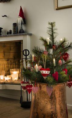 Vereine den nostalgischen Zauber weihnachtlicher Traditionen mit modernster LED-Technik und h�chstem Komfort. Diese kabellosen, batteriebetriebenen Baumkerzen sind im Handumdrehen an Tannenzweigen, festlichen Girlanden oder Kr�nzen befestigt.