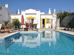 Villa 500m van de zee met prive zwembad met zout water  Vakantieverhuur in Meia Praia van @homeaway! #vacation #rental #travel #homeaway