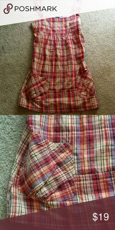 Adorable plaid Hurley sundress size med Surfer style cotton sundress. Plaid print with cute low pockets. This is a slip on no Zipper. Gently worn but in excellent condition Hurley Dresses