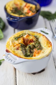 Skinny Protein Breakfast Frittatas are both nourishing and filling, as well as being quite yummy of course! #proteinbreakfast #eggbreakfast #frittatas