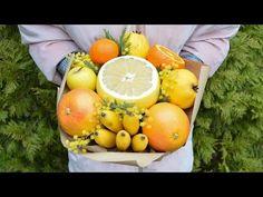 Букет из небольших цветов и фруктов своими руками видео #1