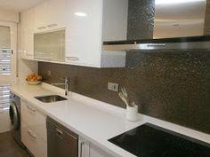 materiales-para-la-pared-de-la-cocina-laminado-blanco-brillo
