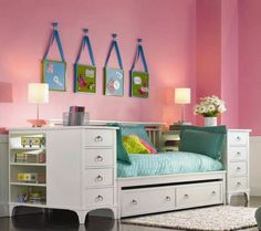 Your Home Thoughts: What Furniture Should You Have in Your Guest Room?