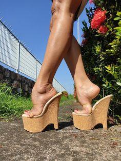 Beautiful High Heels, Gorgeous Feet, Hot High Heels, Wedge Sandals, Feet Gallery, Sexy Sandals, High Wedges, Feet Soles, Pretty Toes