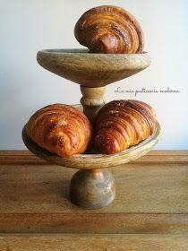 Eclairs al pistacchio Croissant, Eclairs, Biscotti, Donuts, Cake, Desserts, Dessert Ideas, Pizza, Blog