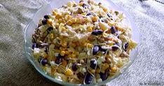 Kolejna propozycja dodatku do obiadu, ale nie tylko. Ta sałatka świetnie spawdzi się na świątecznym stole. Seler przełamany słodyczą ananas...