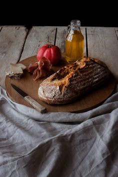 Pan sin amasado | ECOHAPPYANDHIPPIE Tapas, Camembert Cheese, Catering, Sandwiches, Bakery, Food And Drink, Cooking Recipes, Healthy, Gastronomia
