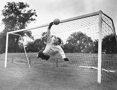 School Football, Football Kits, Bristol Rovers, English Football League, Vintage Football, Tottenham Hotspur, Goalkeeper, Sticks, How To Memorize Things