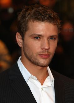 Ryan Phillippe; He would be a good Ethan  Kavanagh. #fiftyshades
