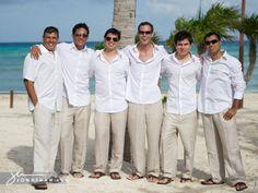 beach-wedding-groomsmen