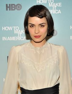 """Actress Shannyn Sossamon attends the Cinema Society and HBO screening of """"How to Make it in America"""" at Landmark's Sunshine Cinema on February 2010 in New York City. Lob Hairstyle, Diy Hairstyles, Short Brown Bob, Hair Inspo, Hair Inspiration, Shannyn Sossamon, Hair Patterns, Grow Out, Girl Crushes"""