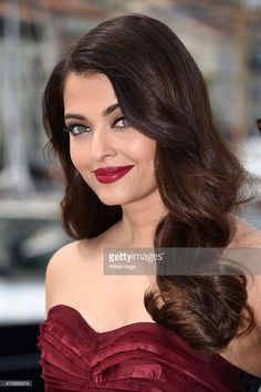 Aishwarya Rai Photo, Aishwarya Rai Bachchan, Un Ambassador, Beauty Queens, Bollywood Actress, Diy Fashion, Diva, Actresses, Twitter