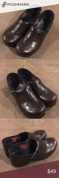 e76fe69f2286 Men s Dansko Nursing Clogs 44 10.5 11