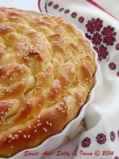 sweet-and-salty: Harmonika pogača - Dragana Sapcas - macedonian food Albanian Recipes, Bulgarian Recipes, Croatian Recipes, Turkish Recipes, Food L, Good Food, Yummy Food, Pogaca Recipe, Milk Bread Recipe