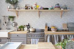 自然舒適的廚房擺設,好似隨性卻有井然有序,瑞典的LOVELY LIFE網站裡