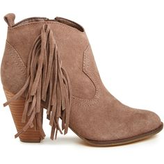 Steve Madden Ponncho Fringe Booties ($60) ❤ liked on Polyvore featuring shoes, boots, ankle booties, booties, ankle boots, sapatos, brown, steve madden bootie, fringe bootie and short brown boots