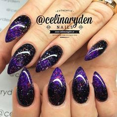 How to get and do pointy nails with beautiful pointy nails inspiration, designs and the latest trends from white, black, pink and matte pointy nails. Black And Purple Nails, Purple Ombre Nails, Purple Glitter, Sparkly Black Nails, Purple Stiletto Nails, Glitter Gradient Nails, Purple Manicure, Purple Nail Art, Dark Purple