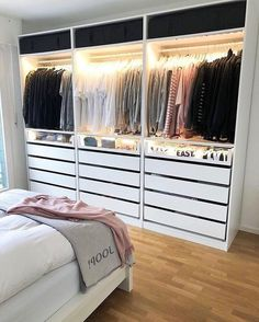 wardrobe Interior Design When most people move into a new home, there is some changes that they want Bedroom Closet Design, Room Ideas Bedroom, Home Decor Bedroom, Closet Ideas For Small Spaces Bedroom, Diy Bedroom, Wardrobe Room, Cute Room Decor, Teen Room Decor, Aesthetic Room Decor