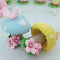 Amo biscuit #artesanato #biscuit #porcelanafria #feitoamao #cogumelos #festajardim #festafadas