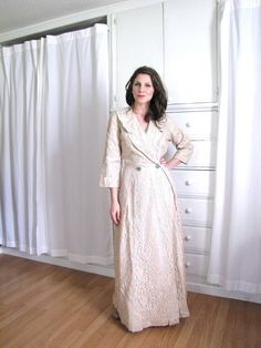 1940 s Dressing Gown   House Coat   Lace Dressing Robe Home Sew 04986e7f2