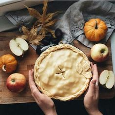 Autumn is the best season in which to sniff, and to sniff for pleasure, for this is the season of universal pungency. Autumn Cozy, Hello Autumn, Autumn Inspiration, Autumn Ideas, Fall Recipes, Pie Recipes, Pumpkin Spice, The Best, Food And Drink