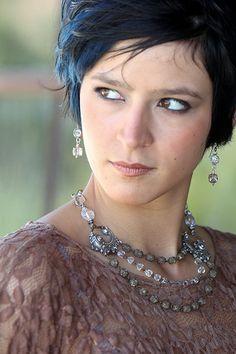 Triple Strand Choker 5 by Diana Frey Vintage Costume Jewelry, Vintage Jewelry, Diy Jewelry Inspiration, Creative Inspiration, Jewelry Ideas, Old Jewelry, Jewelery, Jewelry Making, Beaded Jewelry Designs