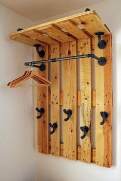 DIY gallery: furniture made of malleable cast iron and tubular steel - Diy Decoracion Pallet Home Decor, Wooden Pallet Projects, Wood Pallet Furniture, Diy Furniture Projects, Wood Pallets, Woodworking Projects, Diy Home Decor, Steel Furniture, Diy Möbelprojekte