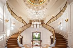[divide]    Here are 16 of thegrandest residential foyers ever built, of course, in our opinion. What do you think of the ones we've included? Are there any others that you would have added?