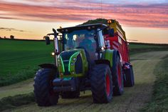 Claas tractor #tractor #interior #farm #equipment #field #agriculture #farmer #harvest