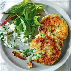 Potato and pea fishcakes recipe. All you need for this simple fishcake recipe is a few basic ingredients including frozen peas, to make a tasty meal. Simply use gluten free flour to make them a safe mid-week meal! Fish Recipes, Seafood Recipes, Cooking Recipes, Healthy Recipes, Healthy Food, Uk Recipes, Tasty Meals, Delicious Recipes, Comfort Foods