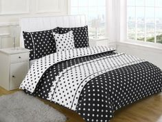 POLKA DOT BLACK SUPER KING Size 5pc Bed In A Bag Duvet Cover Bedding Set: 1 x Duvet Cover, 2x Pillowcases, 1 x Cushion Cover, 1 x Quilted Be...