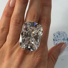 Tips for Buying Diamond Rings and Other Fine Diamond Jewelry Huge Diamond Rings, Buy Diamond Ring, Diamond Engagement Rings, Diamond Jewelry, Diamond Ice, Diamond Cuts, Real Gold Jewelry, Luxury Jewelry, Fine Jewelry