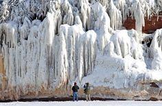 Путешествие на остров ледяных пещер