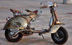 #custom #vespa http://www.pulsar-project.com/el/motorcycles-el/chimera-el https://www.facebook.com/PulsarProject/info