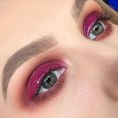Glossy Lids  Eyes• @anastasiabeverlyhills modern Renaissance pallet with grape jelly lipgloss on top @maccosmetics whirl in the waterline Brows• @anastasiabeverlyhills #dipbrow and brow powder duo in taupe set with clear brow gel #melbournemakeupartist #makeupartistmelbourne #anastasiabeverlyhills #abhbrows #modernrenaissance #norvina #maccosmetics