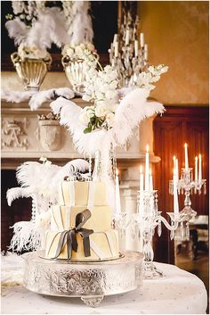 Graet Gatsby wedding cake | Venue Chateau de Challain, image by In Love Photography, see more http://www.frenchweddingstyle.com/great-gatsby-wedding-inspiration-chateau-challain/