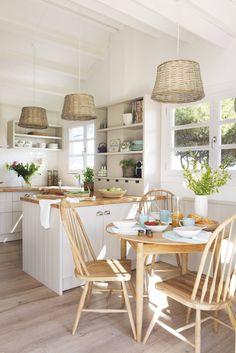 popular farmhouse kitchen decor to remodel your Mini Kitchen, New Kitchen, Kitchen Interior, Room Interior, Cozy Kitchen, Kitchen Wood, Kitchen Sinks, Interior Design, Kitchen Dinning