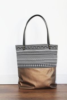 d3a9c8871407a Canvas Tasche mit Ethno-Print   bag with pattern and gold by  duftesachen-berlin