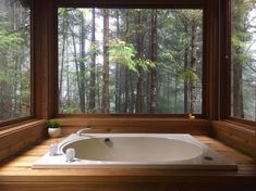 Vacation Rentals, Homes, Experiences & Places – Airbnb Japanese style, 4 foot-deep jacuzzi tub with jets. Privacy wall to the left (not pictured) & forest to the sides. Japanese Style Bathroom, Japanese Bathtub, Japanese Soaking Tubs, Jacuzzi Bathtub, Whirlpool Bathtub, Bathtubs, Drop In Tub, Room Design Images, Style Japonais